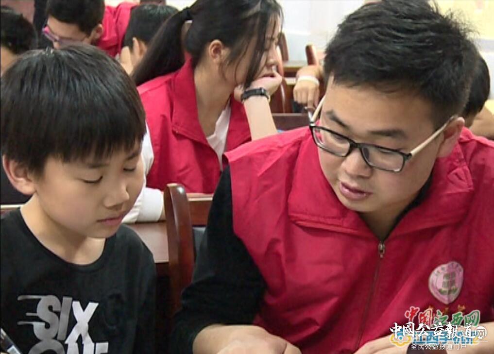 陈大军:志愿服务已融入我的生命(图)