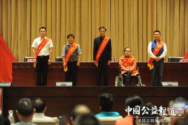 全国最美志愿者、中国好人深情讲述 把总书记的话传到心坎上