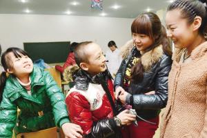 四川通江县民政局关爱孤残儿童 抓实兜底保障