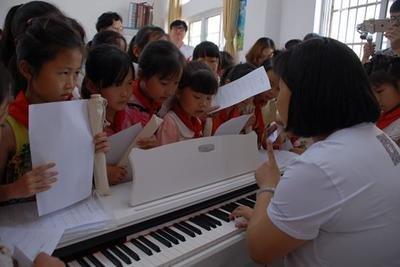 湖北省慈善总会捐建农村小学音乐教室